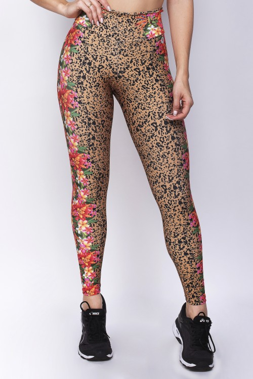 Calça Legging Sublimada com Estampa Animal Print E Flores Na Lateral  E157